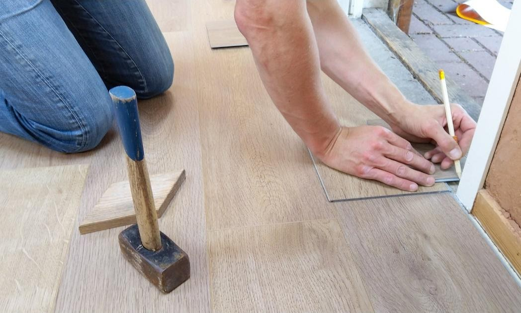 Replace Flooring In A Mobile Home, How To Install Laminate Flooring In A Mobile Home